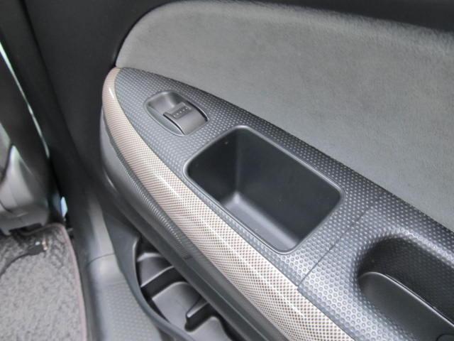 ホンダ ストリーム S HDDナビ バックカメラ