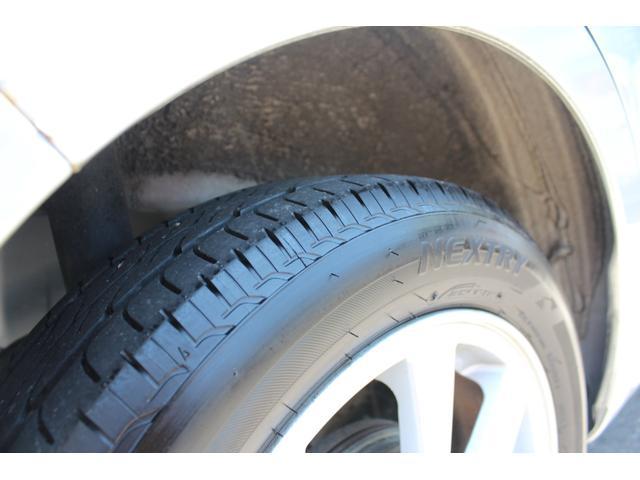 タイヤはBSの17年製となっております☆