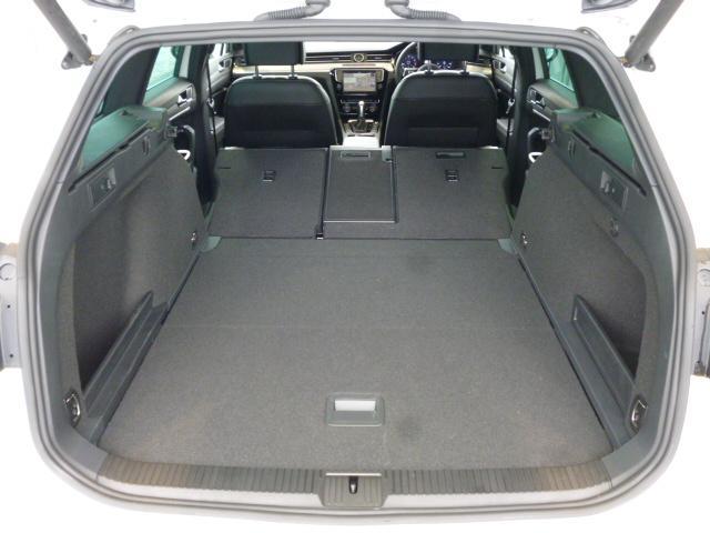 フォルクスワーゲン VW パサートヴァリアント 2.0TSI R-Line