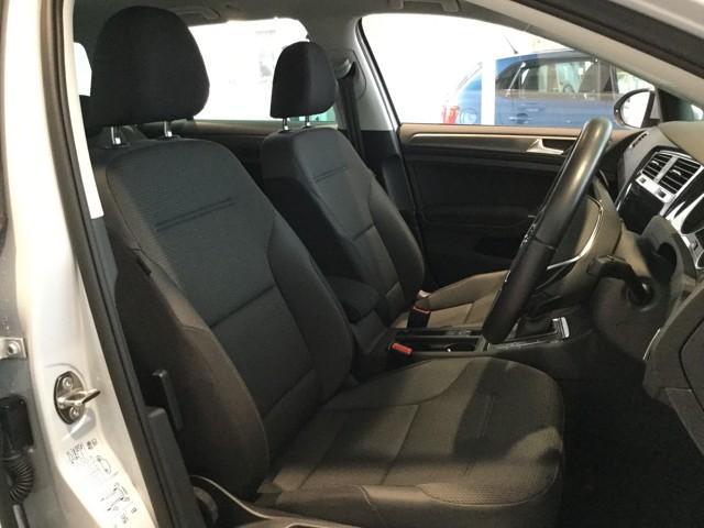 「VW認定中古車は、お客様の安全性のため、厳しい基準を設定しております。☆ロード・アシスタンス・サービス☆24時間365日、お客様のカーライフをサポートします☆
