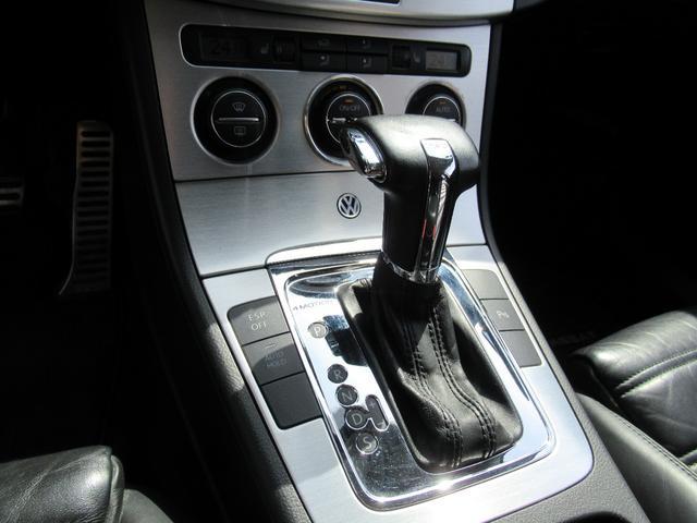 V6 4モーション 本革 4WD ローダウン ナビ ETC(11枚目)
