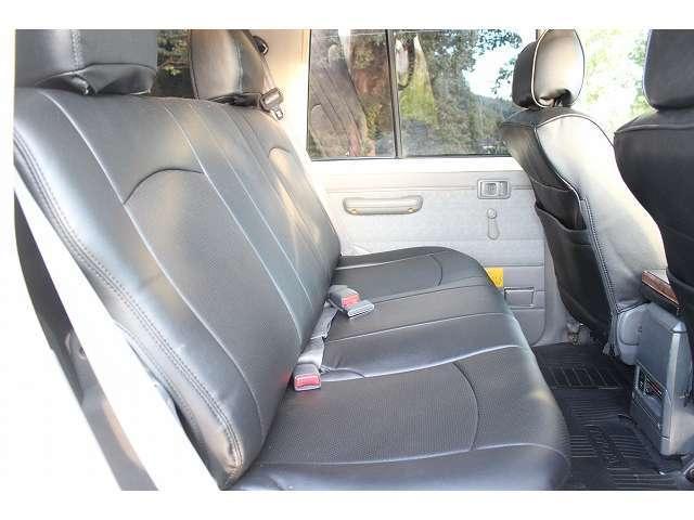 トヨタ ランドクルーザー70 LX ディーゼル 4WD