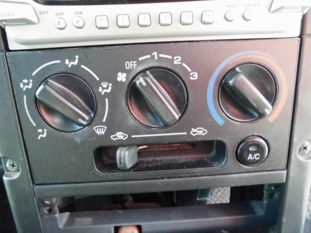 ターボ MOMOステアリングETC社外14インチアルミホイール社外フルエアロCDフル装備ETCサイドバイザー電動格納ミラーWエアバッグ(40枚目)