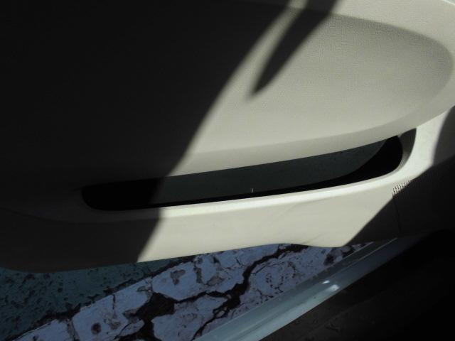 ECO-S キーレスETCアイドリングストップABSフル装備タイミングチェーン電動格納ミラーサイドバイザーCD盗難防止システムWエアバッグプライバシーガラス(29枚目)