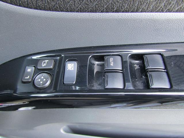 XS 4WD ナビ 左電動スライドドア HIDヘッドライト スマートキー ETC 純正アルミホイール ABS Wエアバッグ(22枚目)
