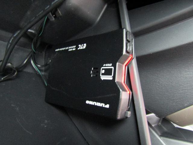 ランドベンチャー 4WD 社外ナビ TV ドライブレコーダー ステアリングスイッチ ハーフレザーシート シートヒーター フォグ 背面スペアタイヤ ETC(4枚目)