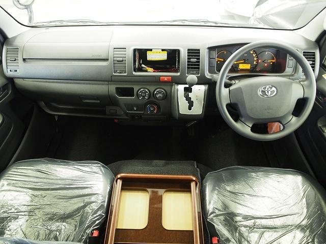 トヨタ ハイエースバン キャンピングカー FOCS DSコンパクト ベンチレーター