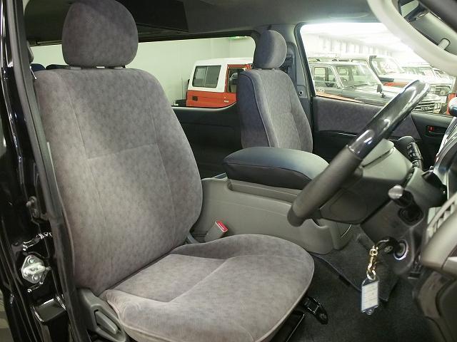 トヨタ ハイエースワゴン リンエイ バカンチェス エアサス インバーター 4WD
