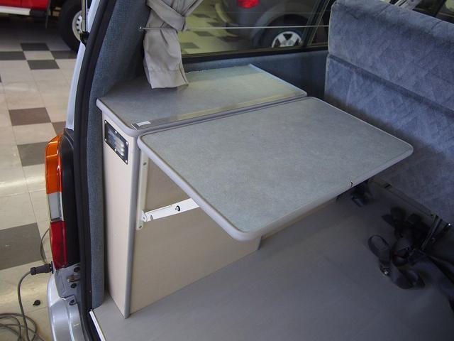 東和モータース製フェネック FFヒーター DC冷蔵庫 4WD(14枚目)