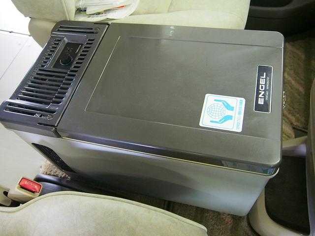 東和モータース製フェネック FFヒーター DC冷蔵庫 4WD(17枚目)
