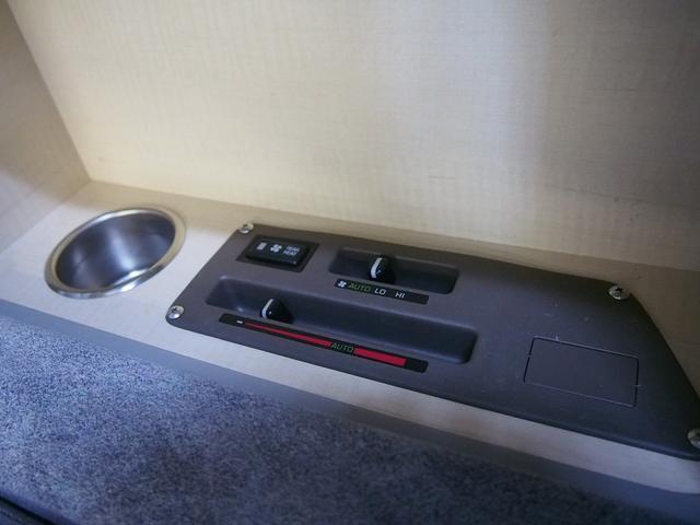 東和モータース製フェネック FFヒーター DC冷蔵庫 4WD(18枚目)