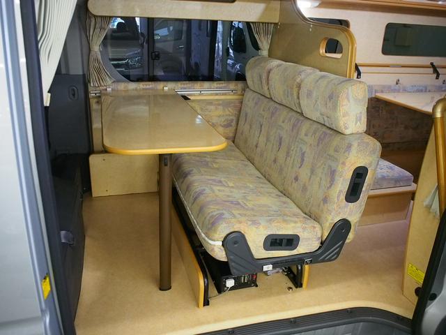 ノースライフ 大地 4WD FFヒーター サイドオーニング カセットコンロ ツインサブBT コンバーター 走行充電 1500Wインバーター FFヒーター ルーフベント サイドオーニング 外部電源(2枚目)