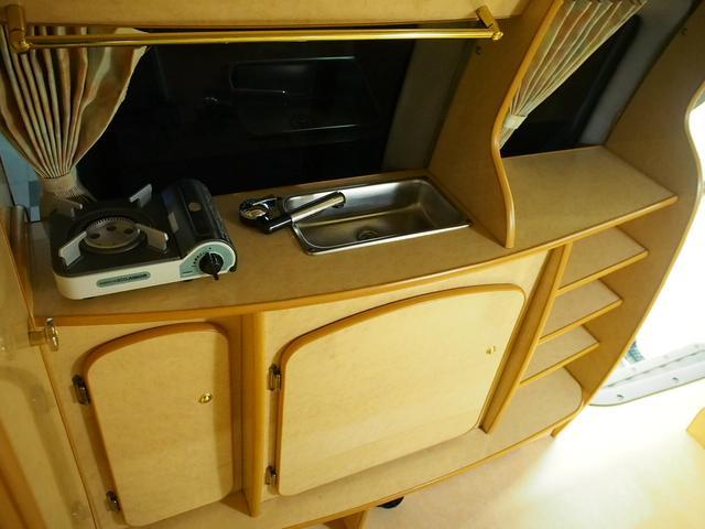 ノースライフ 大地 4WD FFヒーター サイドオーニング カセットコンロ ツインサブBT コンバーター 走行充電 1500Wインバーター FFヒーター ルーフベント サイドオーニング 外部電源(10枚目)