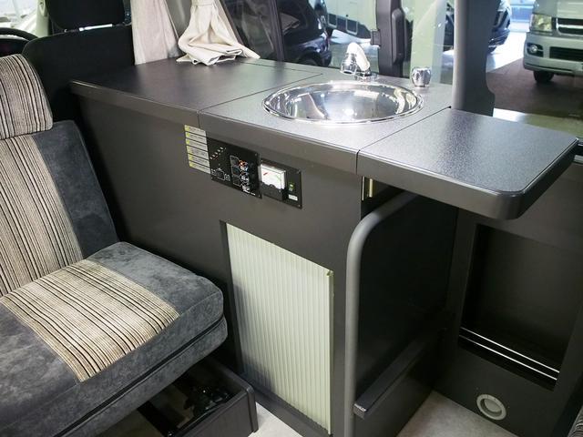 東和モータース ツェルト 4WD 冷蔵庫 サブバッテリー(9枚目)