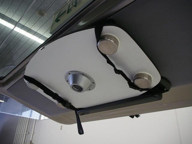 東和モータース ツェルト 4WD 冷蔵庫 サブバッテリー(16枚目)