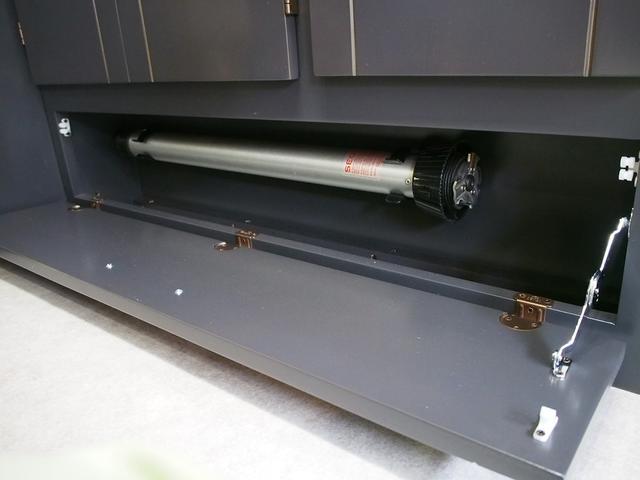 東和モータース ツェルト 4WD 冷蔵庫 サブバッテリー(17枚目)