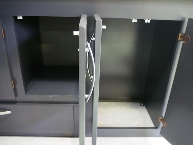 東和モータース ツェルト 4WD 冷蔵庫 サブバッテリー(18枚目)
