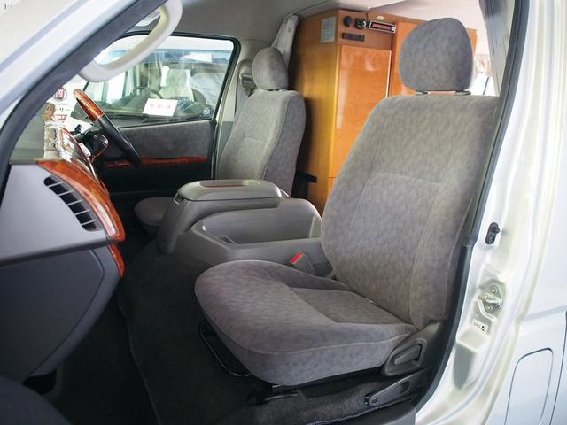 レクビィ フリークス 4WD FFヒーター DC冷蔵庫(16枚目)