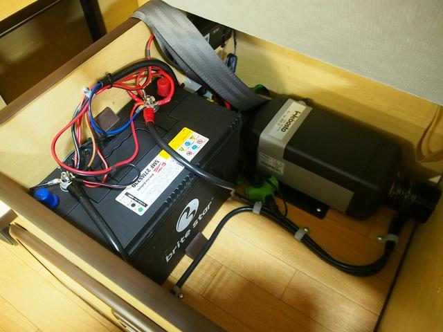 RVビックフット イレーネ 4WD 寒冷地仕様 FFヒーター 1500Wインバーター シンク 給排水ポリタンク テレビ サブバッテリー 走行充電 外部電源 HDDナビ 社外16AW エアロ ETC(14枚目)