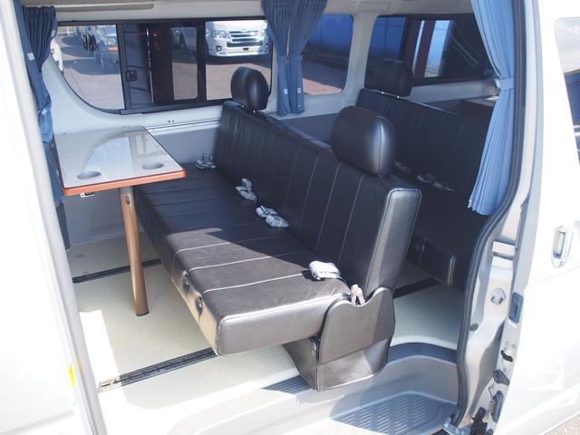 オリジナルキャンパー 4WD FFヒーター ステンレスシンク シャワー 給排水ポリタンク各12L 外部充電器 サブバッテリー 電圧計  純正SDナビ Bカメラ ETC コーナーセンサー フォグランプ(2枚目)