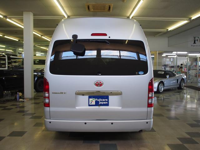 オリジナルキャンパー 4WD FFヒーター ステンレスシンク シャワー 給排水ポリタンク各12L 外部充電器 サブバッテリー 電圧計  純正SDナビ Bカメラ ETC コーナーセンサー フォグランプ(30枚目)