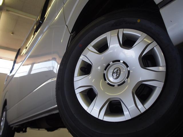 オリジナルキャンパー 4WD FFヒーター ステンレスシンク シャワー 給排水ポリタンク各12L 外部充電器 サブバッテリー 電圧計  純正SDナビ Bカメラ ETC コーナーセンサー フォグランプ(32枚目)