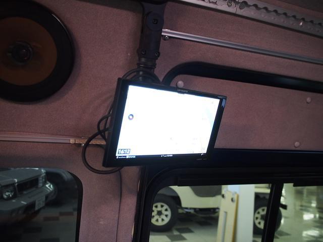 トイファクトリー トイズボックス 4WD シャワー付きシンク サブバッテリー 走行充電 後席モニター 外部電源 FASPシート 2段ベッド ナビ切り替えスイッチ 社外SDナビ 地デジ Bモニター(13枚目)