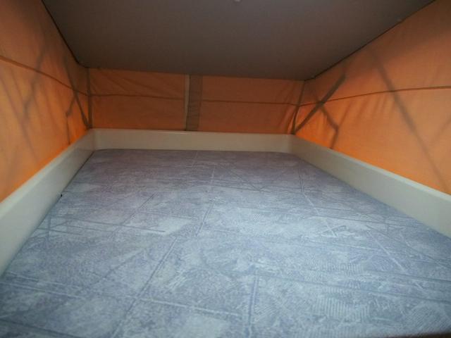 人気のポップアップルーフ付き! ベッド寸法190cm×80cm