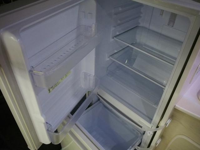 AC冷蔵庫装備! 冷蔵・冷凍独立タイプ 容量137L!