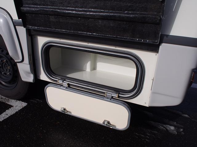 ナッツRV クレソンボヤージュW 4WD FFヒーター 冷蔵庫 ツインサブバッテリー 外部充電器 走行充電 マックスファン シャワーフォーセット付きシンク 給排水ポリタンク各20L Bカメラ ETC(28枚目)