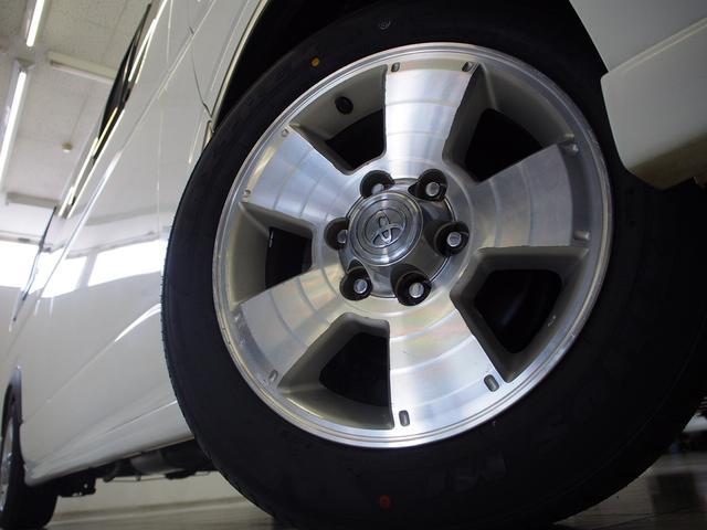 ティピーアウトドアデザイン トラヴォイ 4WD FASPシート サブバッテリー RECAROシート 走行充電 FFヒーター 給排水タンク フリップダウンモニター ローダウン 社外ナビ Bモニター(15枚目)