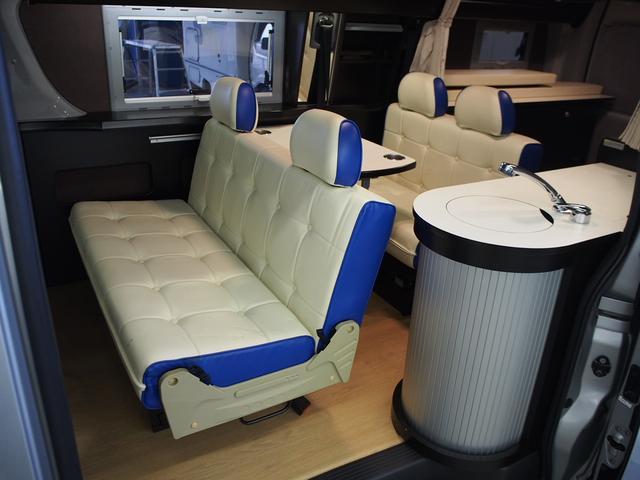 トイファクトリー バーデングランデ 4WD シャワーフォーセット付きシンク 給排水ポリタンク各13L ツインサブバッテリー 外部充電 エアロソーラー FFヒーター 冷蔵庫 1500Wインバーター(3枚目)