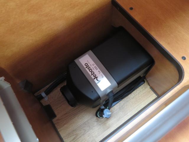RVビックフット リトルノオクタービア 4WD 冷蔵庫 FFヒーター ツインサブバッテリー シンク 給排水ポリタンク10L ルーフベント 外部J電源 純正SDナビ 地デジ バックカメラ 社外15AW(14枚目)