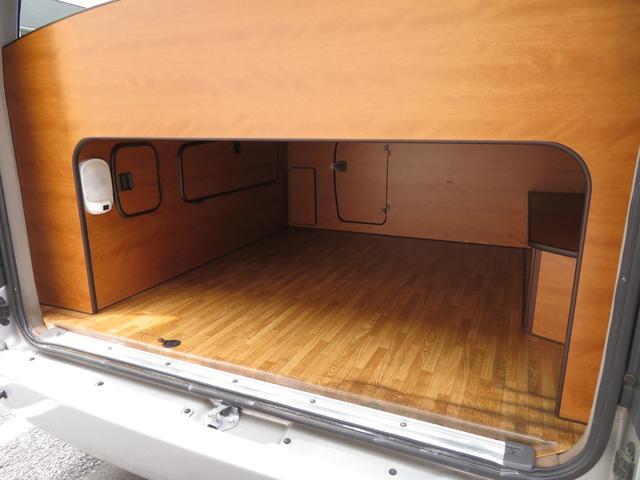 RVビックフット リトルノオクタービア 4WD 冷蔵庫 FFヒーター ツインサブバッテリー シンク 給排水ポリタンク10L ルーフベント 外部J電源 純正SDナビ 地デジ バックカメラ 社外15AW(17枚目)