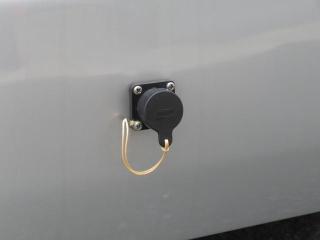 RVビックフット リトルノオクタービア 4WD 冷蔵庫 FFヒーター ツインサブバッテリー シンク 給排水ポリタンク10L ルーフベント 外部J電源 純正SDナビ 地デジ バックカメラ 社外15AW(20枚目)