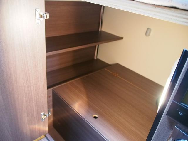 ☆ベッド下は収納スペースになっております☆