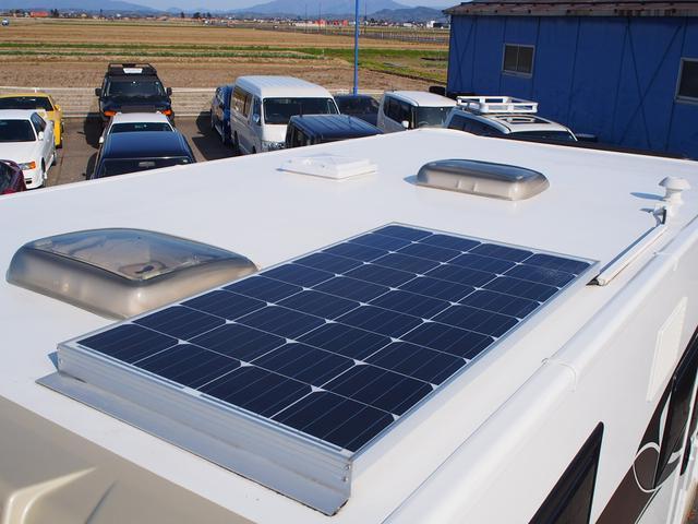フィアットデュカト ローラーチーム リビエラ85XT ディーゼルターボ ワンオーナー 3バーナーコンロ 冷蔵庫 温水ボイラー FFヒーター 家庭用エアコン ソーラーパネル トイレ 充電器 インバーター(27枚目)