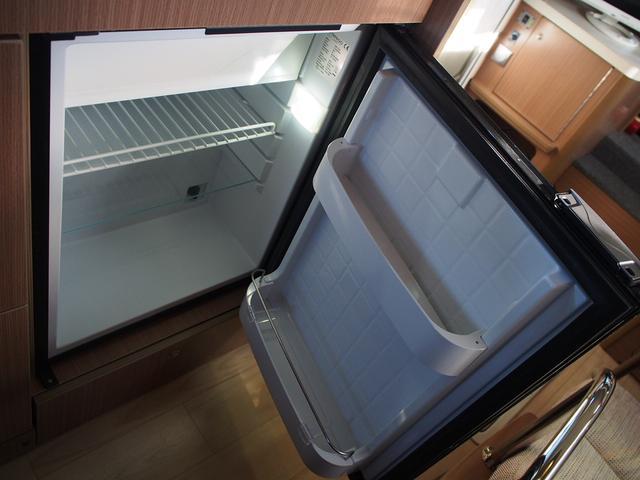 ベースグレード カムロード バンテック コルドバンクス FFヒーター シンク 2バーナーコンロ 冷蔵庫 液晶テレビ BSアンテナ Wサブバッテリー 充電機 インバーター FFヒーター サイドオーニング リアクーラー(7枚目)