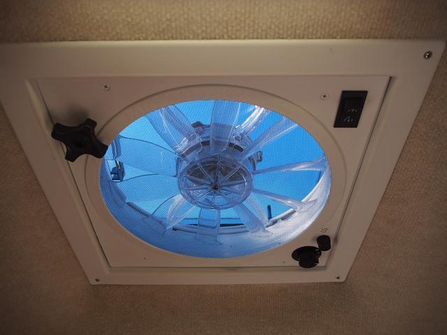 ベースグレード カムロード バンテック コルドバンクス FFヒーター シンク 2バーナーコンロ 冷蔵庫 液晶テレビ BSアンテナ Wサブバッテリー 充電機 インバーター FFヒーター サイドオーニング リアクーラー(21枚目)