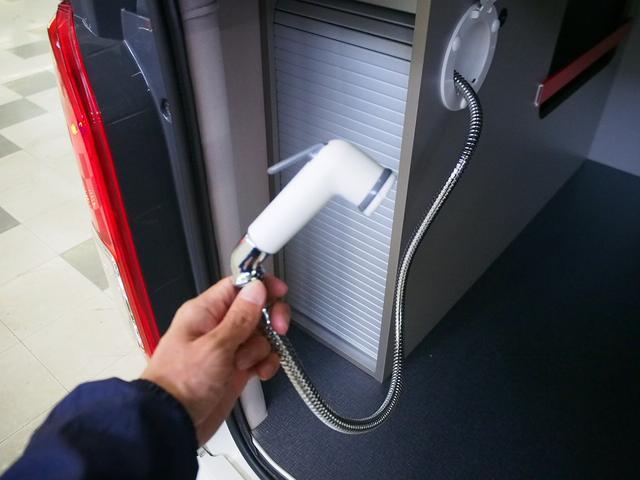 レクビィ トートバッグ 4WD 純正SDナビ 地デジ 純正LEDヘッド シンク 給排水10Lポリ DC冷蔵庫 アウターシャワー ツインサブBT 1500Wインバーター FFヒーター マックスファン(7枚目)