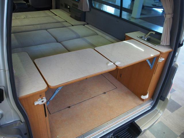 レクビィ サライ 4WD 乗車定員8名 社外SDナビ 地デジ Bモニター Rクーラー Rヒーター シンク給排水10Lポリタンク カセットコンロ サブバッテリー 外部充電器 走行充電 サイドオーニング(5枚目)
