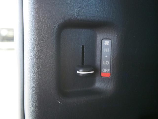 GL 社外ベッドキット 4WD 社外HDDナビ DVD 地デジ Bモニター 社外16インチAW 社外Fリップ社外ショック 強化スタビライザー ローダウン 左側パワスラ フリップダウン 純正HID(6枚目)