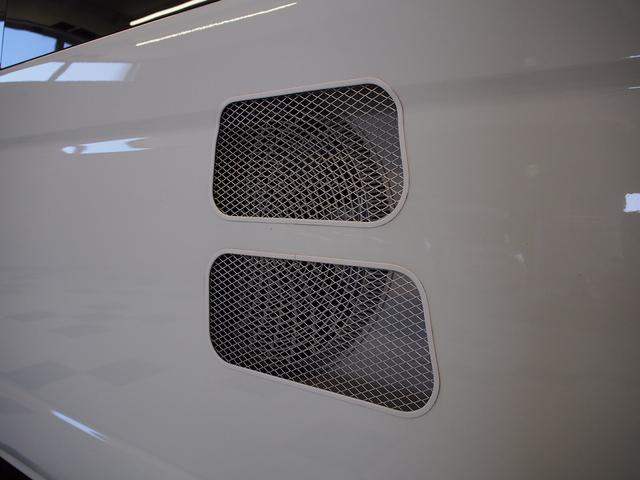 RVビッグフット W AC 4.7 社外ナビ 地デジ Bカメラ ETC ワンオーナー シンク 網戸エンゲル製DC冷蔵庫 19インチTV 4サブバッテリー インバーター FFヒーター 家庭用エアコン(24枚目)