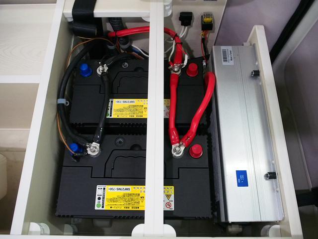 RVビッグフット W AC 4.7 社外ナビ 地デジ Bカメラ ETC ワンオーナー シンク 網戸エンゲル製DC冷蔵庫 19インチTV 4サブバッテリー インバーター FFヒーター 家庭用エアコン(42枚目)