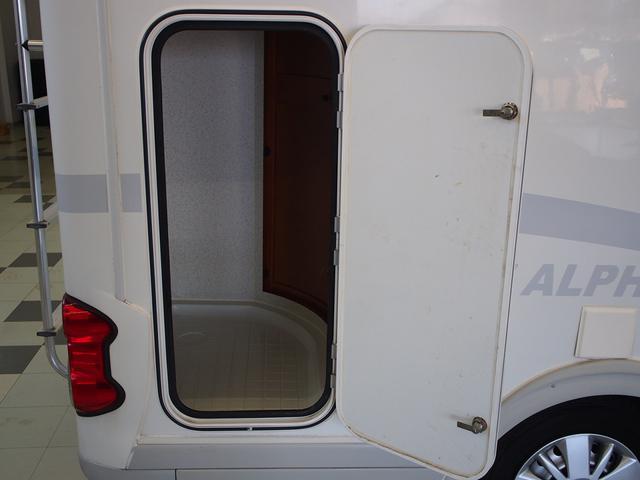 AtoZ アルファ タイプ1 シンク 冷蔵庫 電子レンジ ツインサブバッテリー 走行充電 ソーラーパネル 1500Wインバーター FFヒーター マックスファン 外部電源 キーレス 社外ナビ Bカメラ(19枚目)