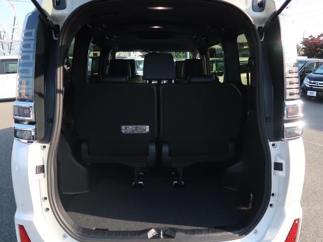 ZS 煌III 登録済未使用車 セーフティセンス 両側パワスラ スマートキー クリアランスソナー オートハイビーム LEDヘッド 純正16AW アイドリングストップ レーンアシスト 7人 現行型(12枚目)