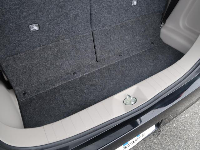 E 新品7型ナビ 地デジ 禁煙車 キーレスエントリー シートヒーター 電動格納ミラー 横滑り防止装置 プライバシーガラス ヘッドライトレベライザー(34枚目)