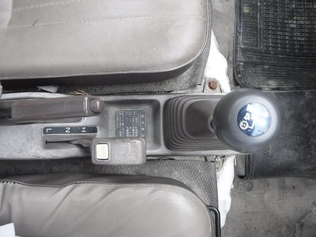4WD 4速マニュアル AMラジオ(22枚目)