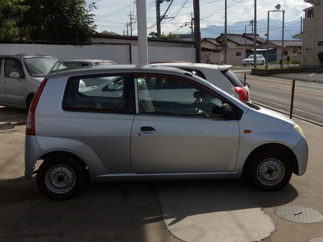 ダイハツ ミラ A 5速マニュアル車
