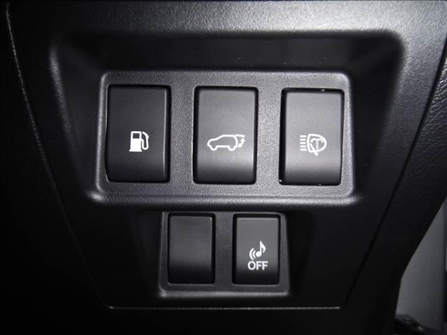 4WD!メーカーHDDナビ!フルセグ!S・Bモニター!サンルーフ!ビルトインETC!黒本革シート!前席シートヒーター&パワーシート!パワーバックドア!LEDヘッドライト!リアフォグランプ!純正19AW